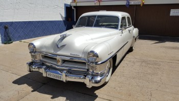 Venta Coche Clásico CHRYSLER New Yorker 5.4 V8 Fire-Power Sedan 'MATCHING NUMBER'